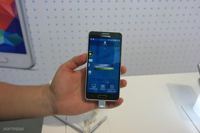 Samsung SM-A500, Smartphone Versi Murah Galaxy Alpha