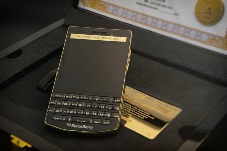 BlackBerry Porsche Design P'9983 Gold Edition